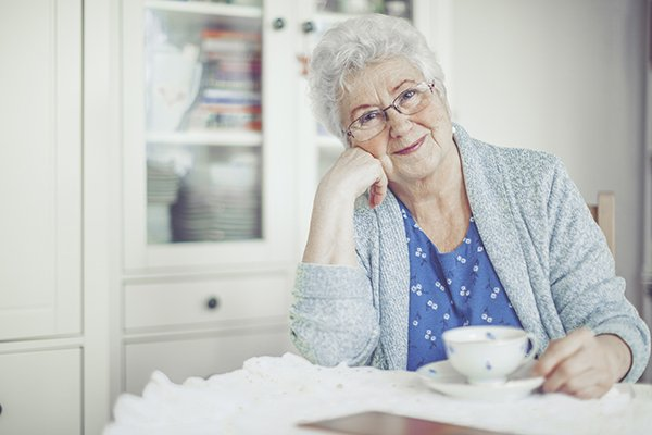 Home Care vs. Assisted Living: Which Option is Right for Your Senior Loved One?